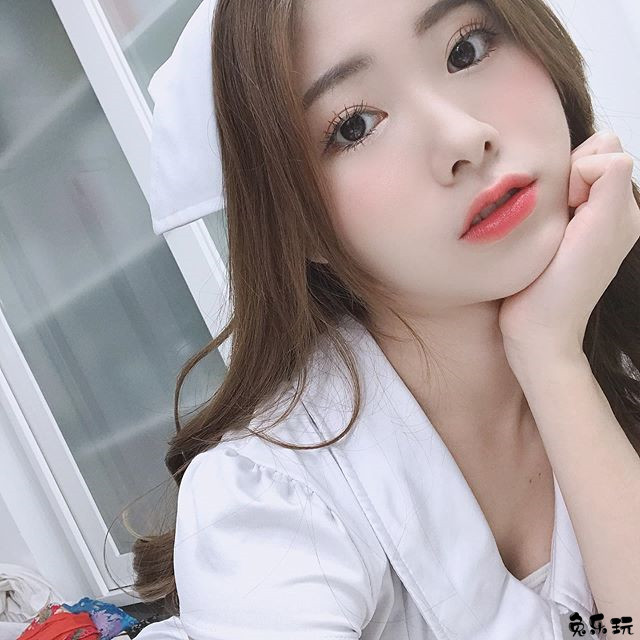 职棒宝贝Fubon Angels啦啦队员赖钰涵(Orangelaii橘儿),清甜笑容可爱迷人!