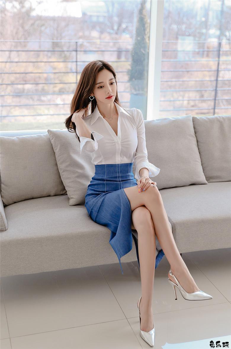 孙允珠:爱德华伯爵庭园白领西装衣裙