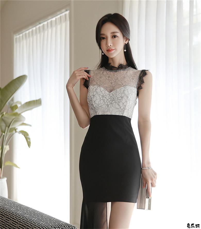 孙允珠:黑白粹色缠绕纽花高冷飘仙裙