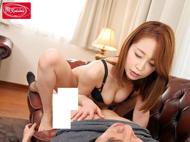 CJOD-183 :翘臀美女篠田优和弟弟一起实践研究做爱姿势!