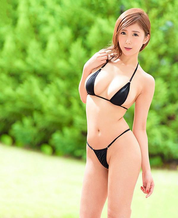 美艳人妻JUY-714: 熟女人妻控,平成最后的大型新人.超风骚的G罩杯人妻「我妻里帆」诞生!