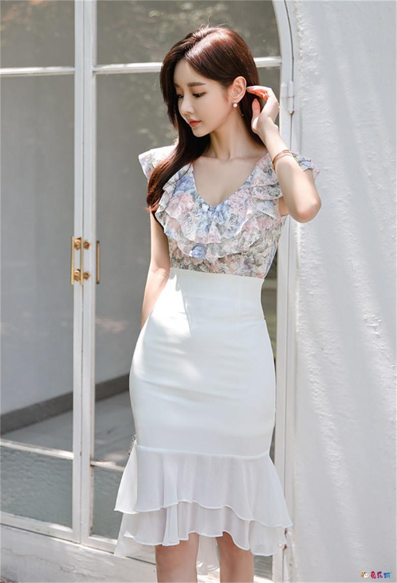 孙允珠:青花翠叶波浪卷纹古典淡墨裙