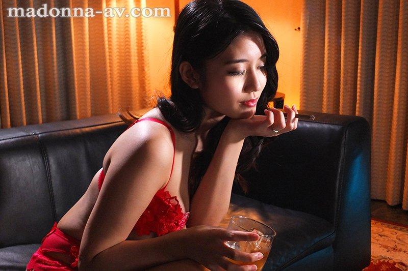 JUL-388:高级娼妇「神宫寺ナオ」 传说级「毒龙钻」把主人搞到欲仙欲死!