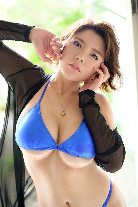 JUL-010:神乳之名的八神さおり激变发挥神级魅力!