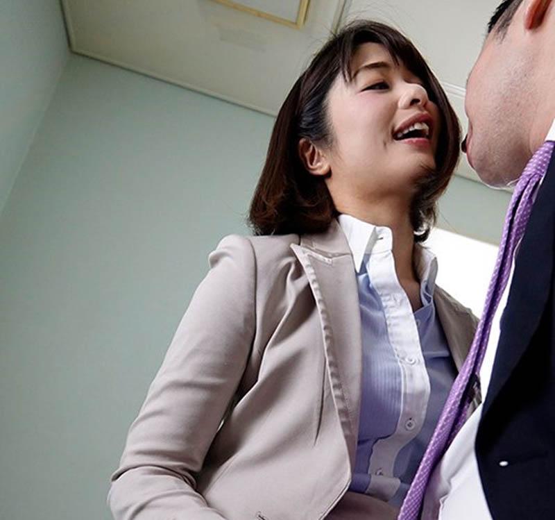 眼睁睁看到自己肉棒被女上司川上奈奈美吹到爆浆!