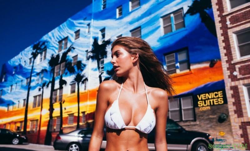 阿根廷卡蜜拉摩洛超模 性感火辣身材令人垂涎欲滴