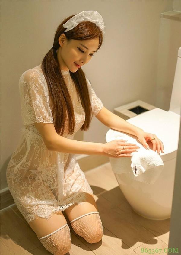 嫩模丁字内裤透明看得到毛 透视女仆装弯腰上演致命诱惑