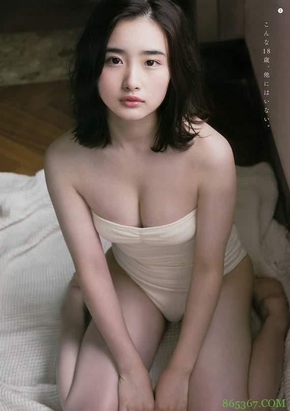 安倍乙被称巨乳版石原聪美 18岁美少女大奶子不科学