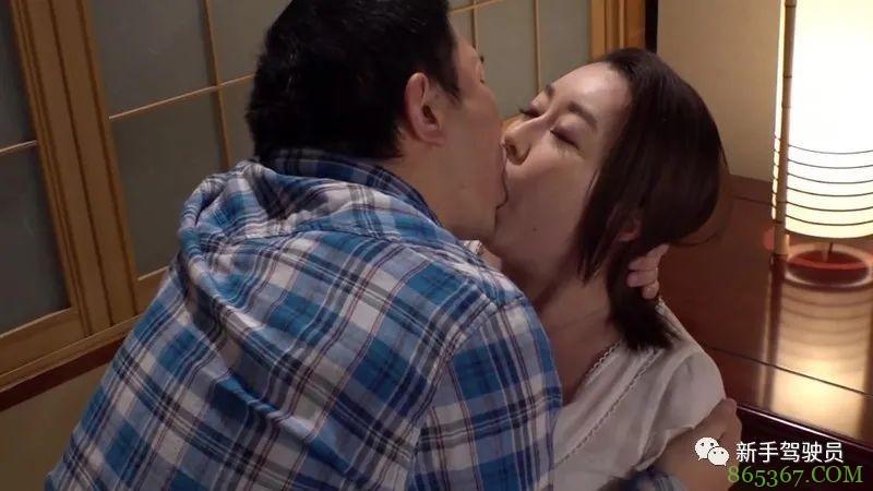 藤咲美玲SPRD-1251 单身妈妈为了儿子共同服侍父子