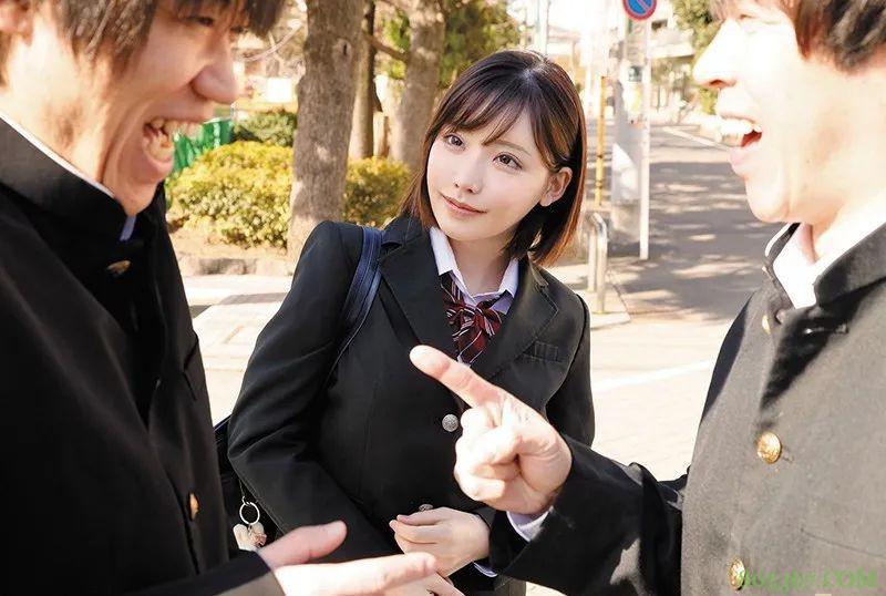 深田咏美ROYD-008 高中女生主动去男生家一起研究电动玩具