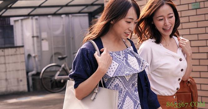 DASD-677:篠田优和莲实克蕾儿一起磨豆腐