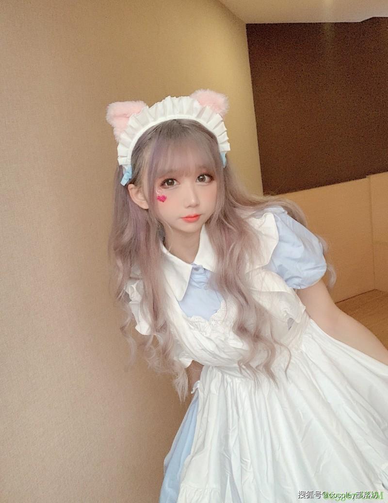 Lolita:这是谁家走丢的小猫咪