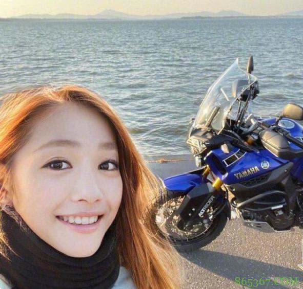 日本女装大佬太强悍,50岁大叔变摩托美女,不良少年cos初音