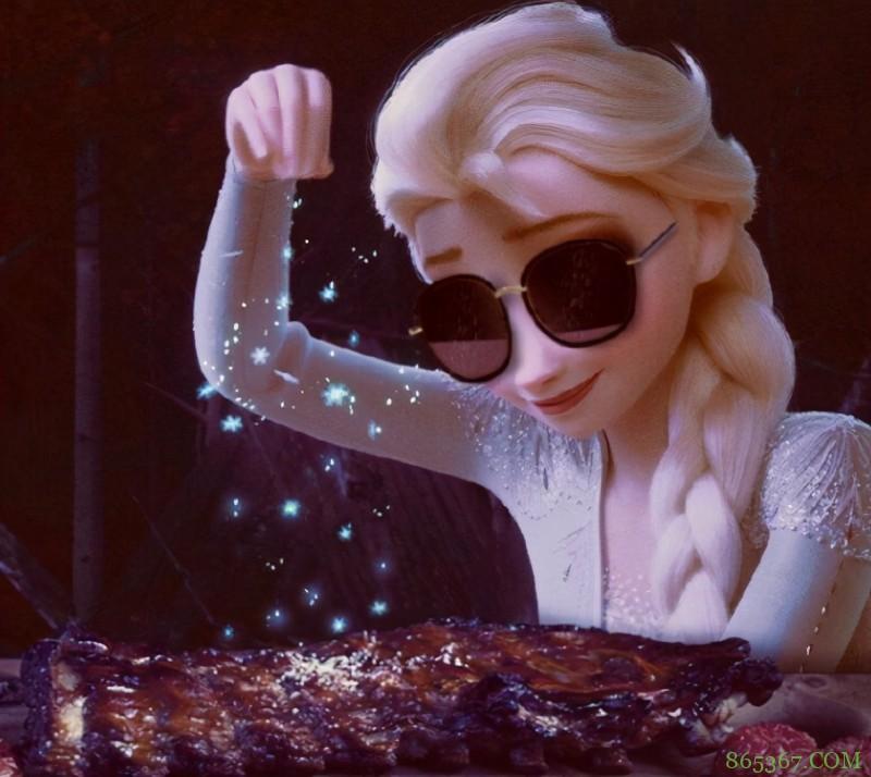 在大佬的P图下,艾莎女王当起了歌手和演员,连厨师也能做!