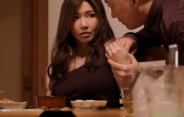 爱弓凉JUL-695 人妻无法忍受老公性癖找大伯