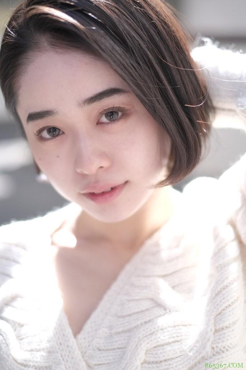MINAMO作品STARS-371 新人首次交作业令人震撼